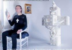 Crucifixum Fractalum Mathematicae - Candidum Unum - 3D Printed
